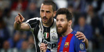 Suárez y Chiellini, sin rencores — Cambio de camisetas