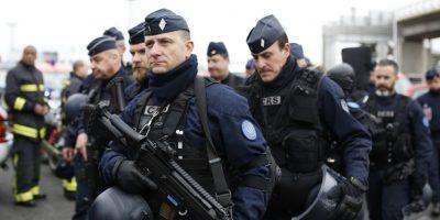 Un policía muerto y otro herido en un tiroteo en París — Ahora