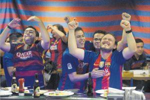 La afición de Guatemala enloquece con el Clásico español