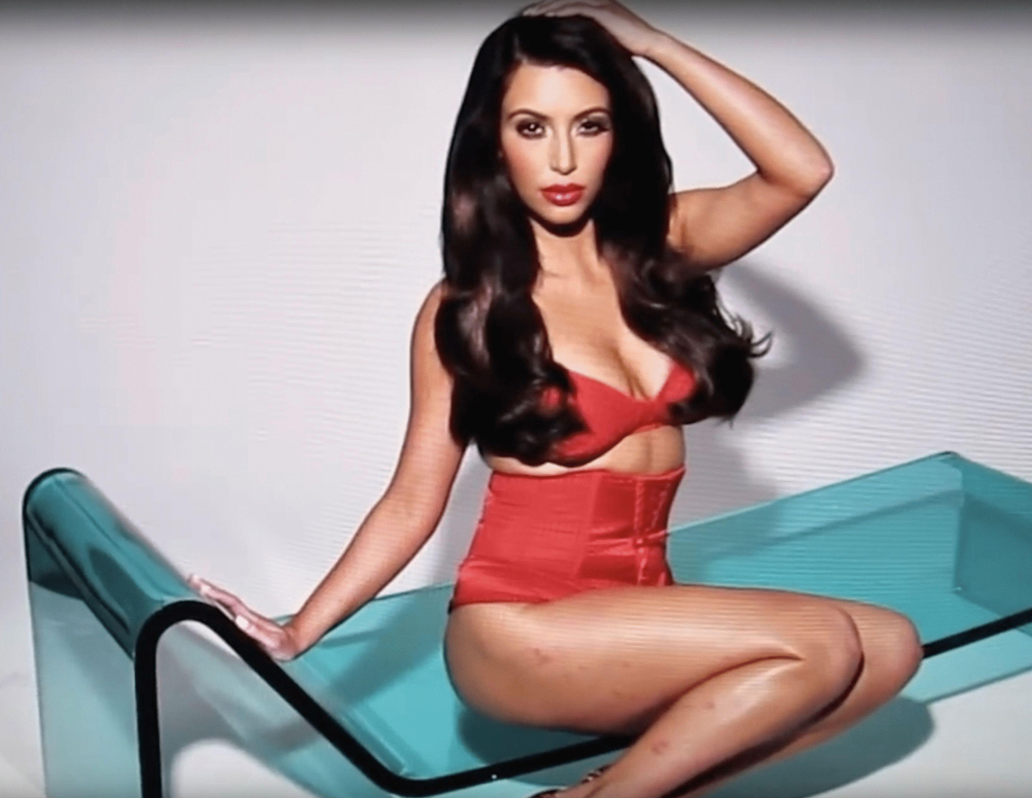 Kim Kardashian, enfermedad, psoriasis, piel, manchas