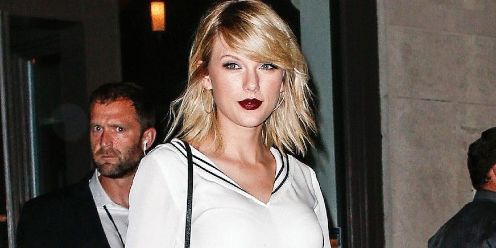Filtran foto de Taylor Swift mientras DJ le toca parte íntima. Imagen Por: Grosby Group