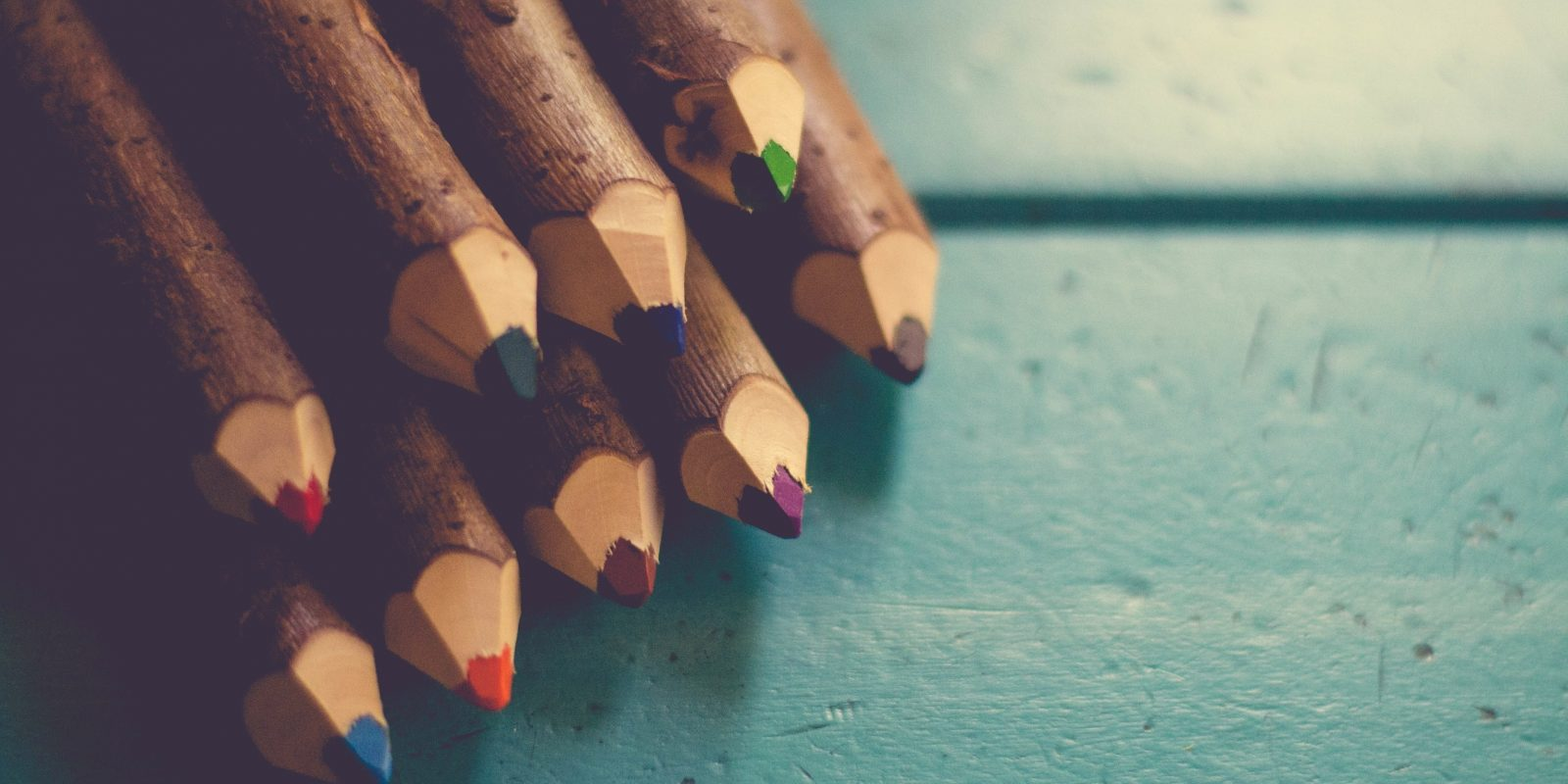 "Acusan a maestra de ser ""demasiado sexy"" para dar clases a niños. Imagen Por: Pixabay"