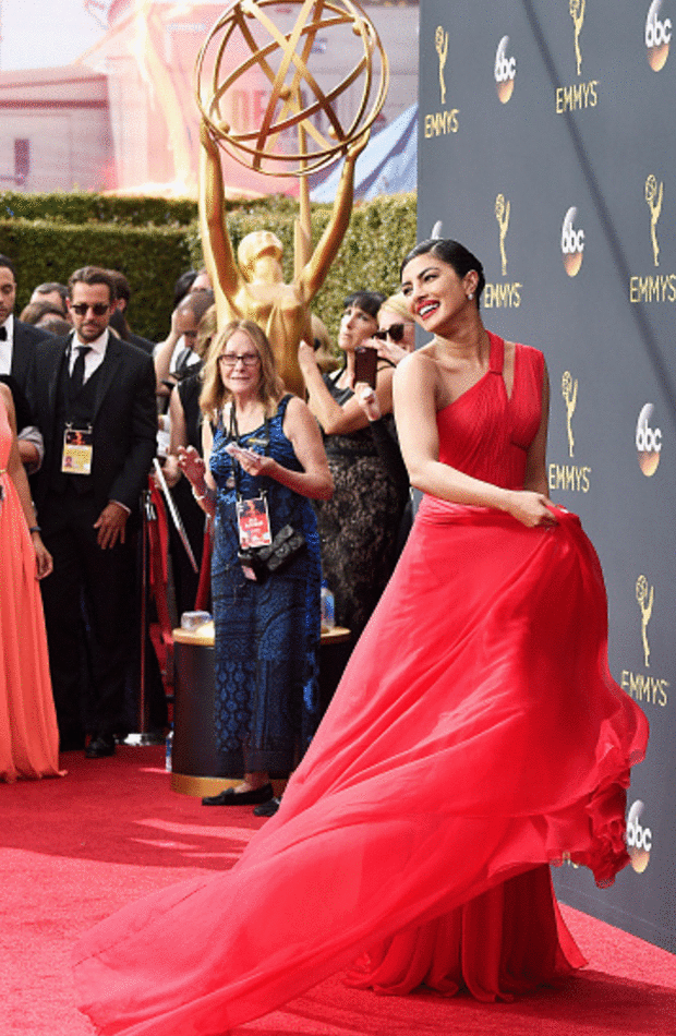 priyanka Chopra Premios Emmy 2016