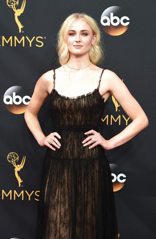 sophie turner Premios Emmy 2016