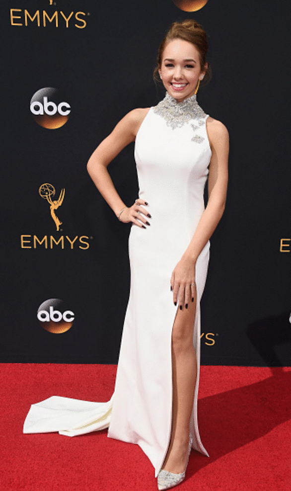 holly taylor Premios Emmy 2016