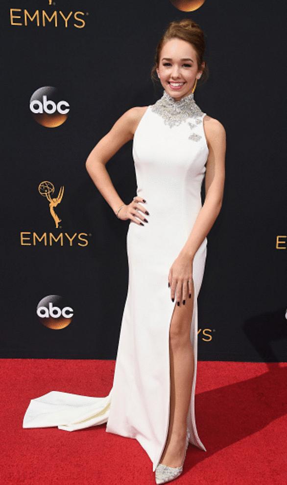 holly taylor Premios Emmy 2016