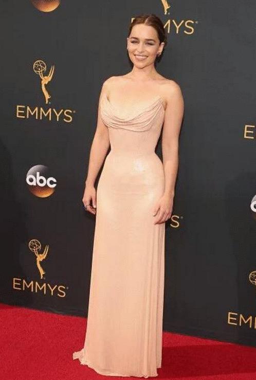 emilia clarke Premios Emmy 2016