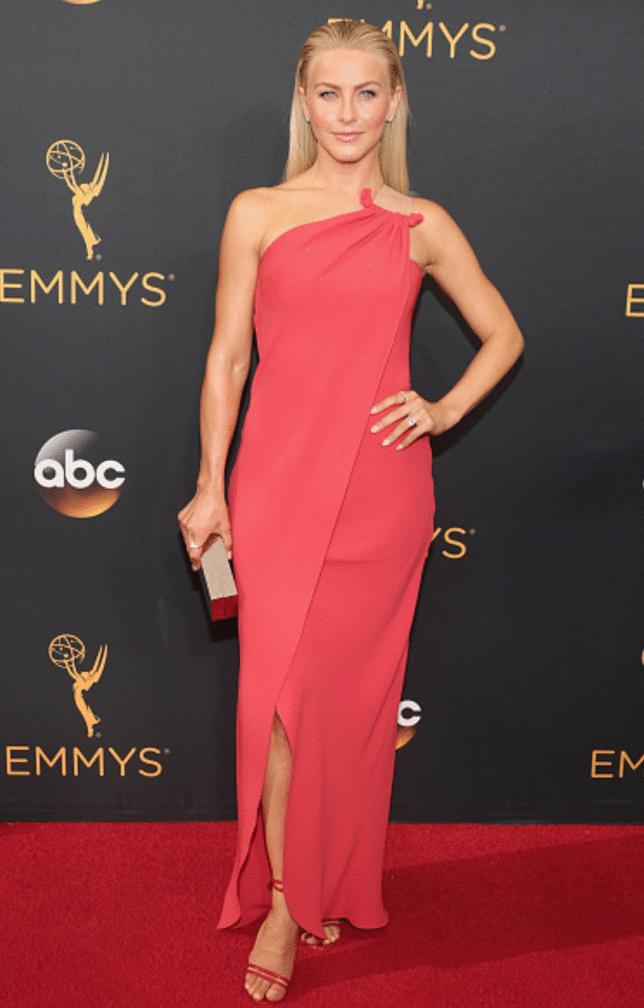 julianne Hougth Premios Emmy 2016