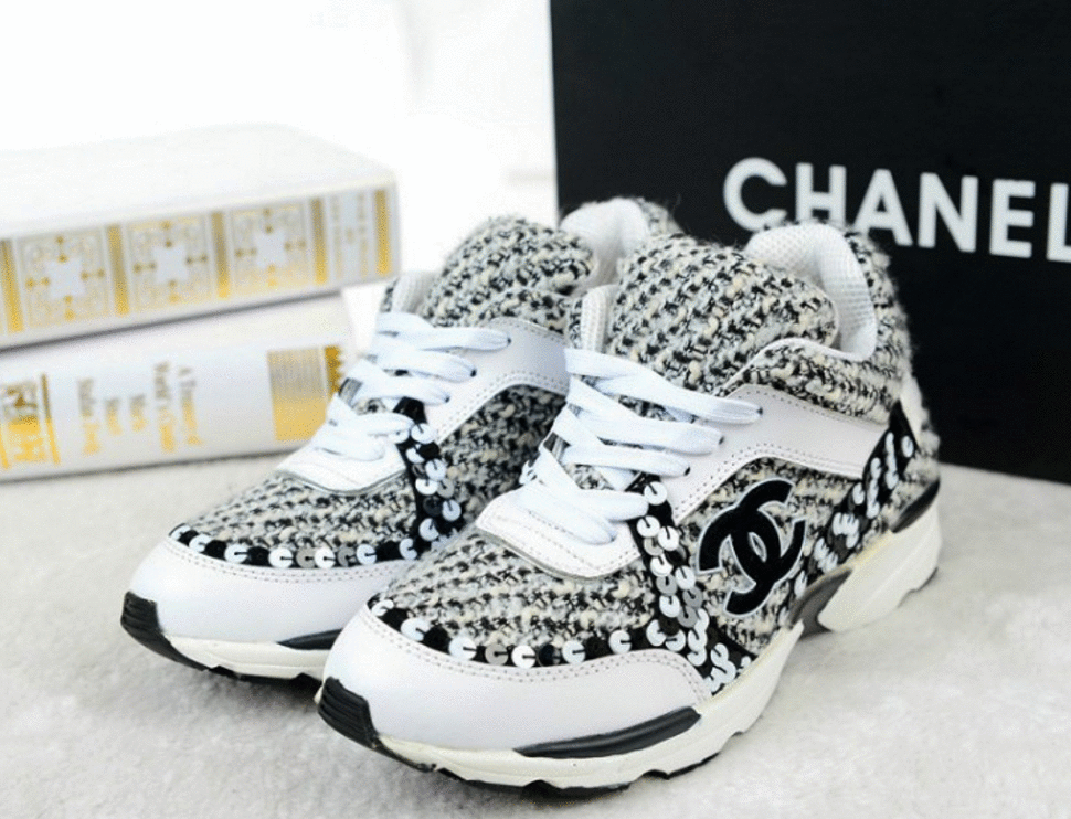 Crocs Chanel tenis foto
