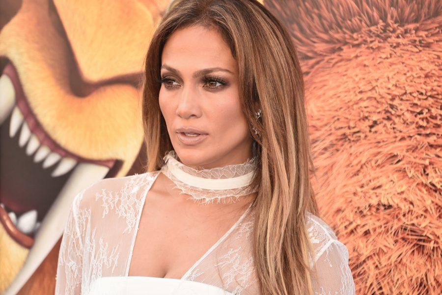 Jennifer López Es Criticada Por Usuarios De Instagram Por
