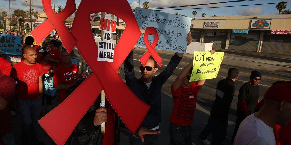 Su padre le inyectó VIH cuando era bebé: ahora lo demandará