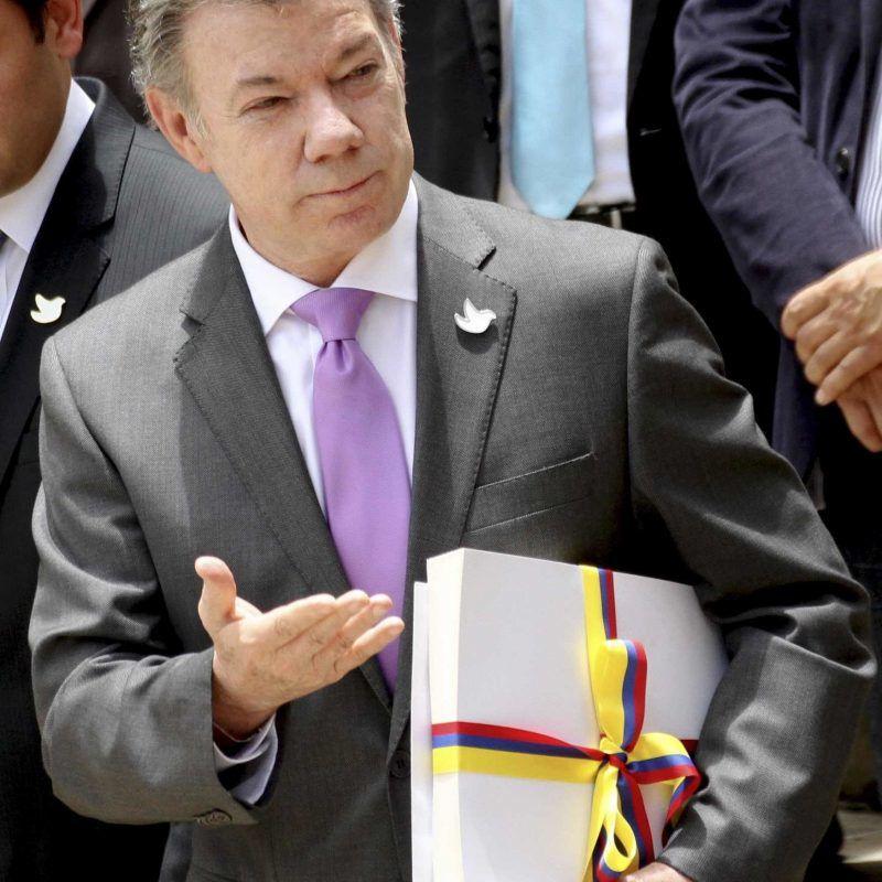 Santos donará premio monetario de Nobel de la Paz a víctimas