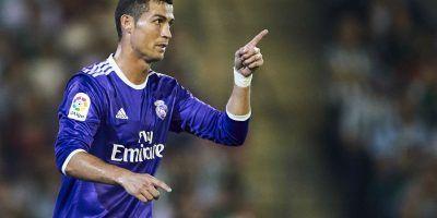 Cristiano Ronaldo presume auto y los memes lo acaban