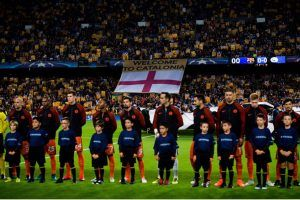 ¿Por qué pitan los hinchas del Barcelona el himno de la Champions?
