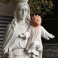 """Se ofreció a restaurar al """"Niño Jesús"""" y le quedó como """"Maggie Simpson"""". Imagen Por: AP"""