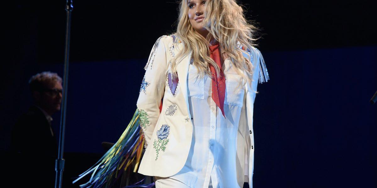 Kesha apareció sin maquillaje y algunos kilos menos en Instagram
