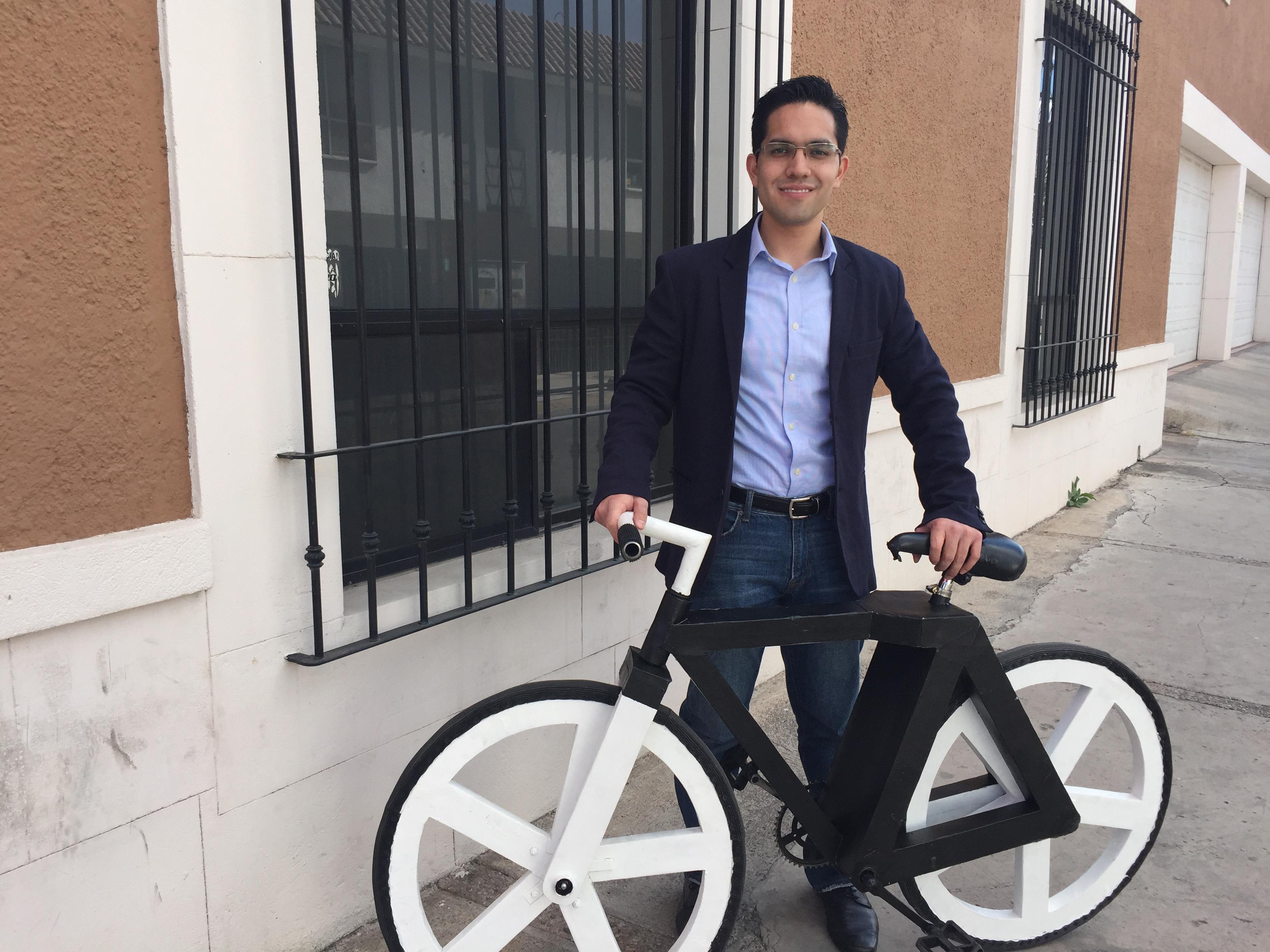 Maneja esta bicicleta hecha de papel | Publimetro