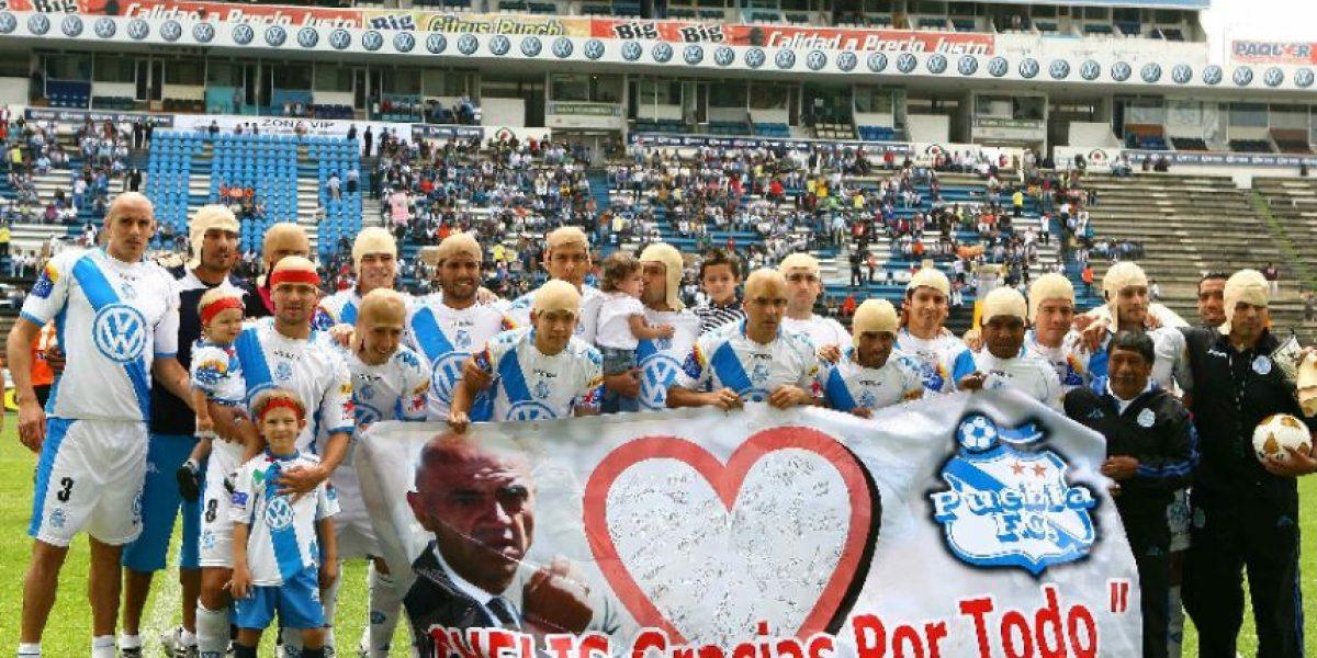 Entre pelones, homenajes y un león se vive el futbol mexicano