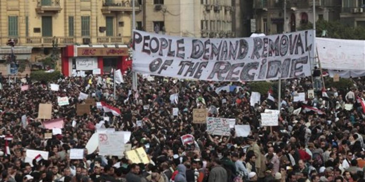 Egipcios no ceden: Miles exigen la dimisión de Mubarak