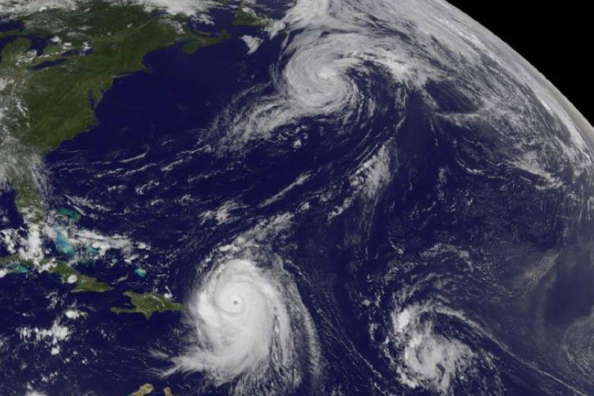 Tres Tormentas en el océano Atlántico. Se trata del huracán Danielle, el huracán Earl y la tormenta tropical número 8, capturados en Agosto de 2010 Foto:NASA. Imagen Por: