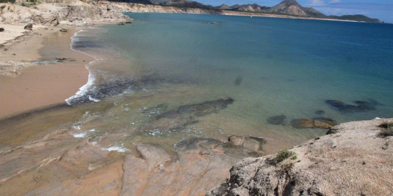 Ubicado en Baja California Sur a tan sólo dos horas de la capital del estado, La Paz, se encuentra Cabo Pulmo, un poblado cuyos habitantes se han encargado de mantener totalmente protegido de la pesca y otros impactos ambientales un arrecife, que lo que ha convertido a la zona en un ejemplo de conservación ambiental a nivel mundial.  Foto:Gustavo Graf