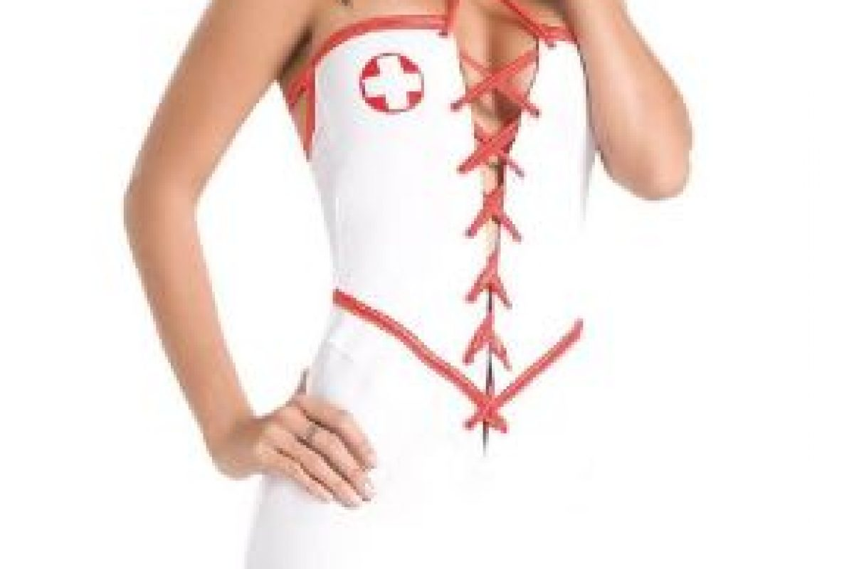 La enfermera: Acá puedes hacer con él lo que quieras y examinar a tu antojo cada parte de su cuerpo. Sólo necesitas un delantal corto que insinúe que debajo de él..no llevas nada puesto Foto:Tomada de Google.com. Imagen Por: