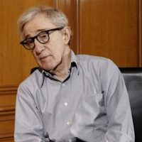 "MEJOR GUION EN CINEMATOGRAFIA: Woody Allen ""Midnight in París"" Foto: AP"