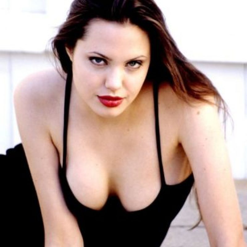 Desnudas angelina jolie photo 2