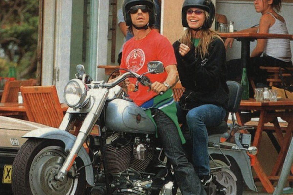 Posteriormente, la modelo, tuvo un pequeño romance con el vocalista de la banda de funck rock, Red Hot Chilli Peppers, el cantante Anthony Kiedis. Foto:Google. Imagen Por: