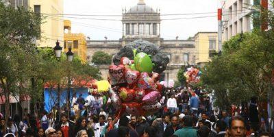 """Los mexicanos somos """"chaparros"""" y """"rellenitos"""" por naturaleza"""