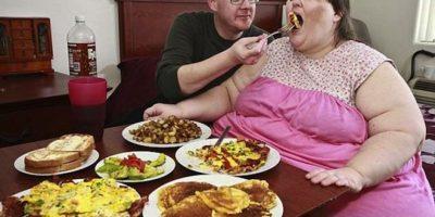 Esta mujer desea convertirse en la persona más gorda del mundo