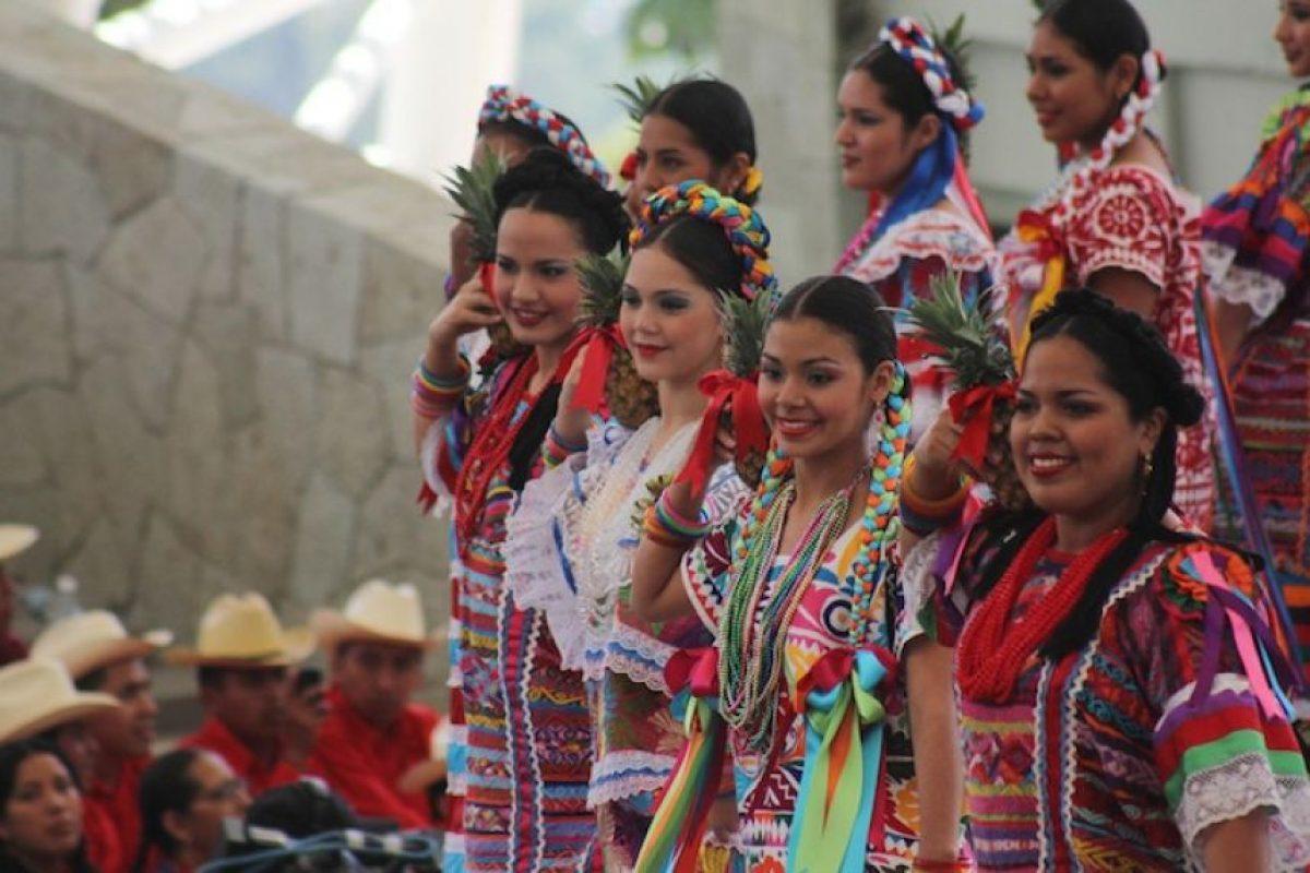 """La Guelaguetza, Oaxaca: También llamada """"Los lunes del cerro"""" es una celebración en el Cerro del Fortín y su propósito es reunir las ocho regiones oaxaqueñas y compartir la celebración de sus costumbres ancestrales Foto:Cuartoscuro"""