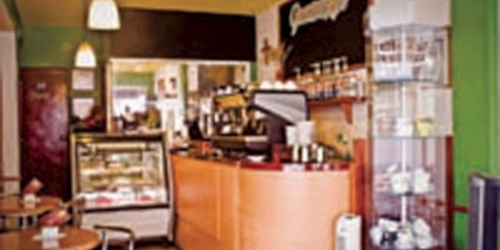 STO SÍ K M LTE. Café Gradios. Hay un pequeño local en pleno Centro Histórico, donde lo primero que sobresale es la enorme cafetera para el capuchino, una de las especialidades, que es servido al estilo italiano y que le llaman latte macchiato. Luis Moya 115, Col. Centro Histórico, Tel. 5518 8553 Foto:Café Gradios/Foto: cortesía
