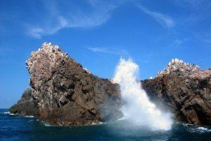 Es un archipiélago de cuatro formaciones: dos islas, y dos islotes. Las primera tiene una altura es de 54 metros, un kilómetro de ancho y 600 metros de ancho, aproximadamente, la segunda mide 43 metros de alto, es un poco más extensa que la primera, y tiene una anchura de 700 metros Foto:vallartaonline.com