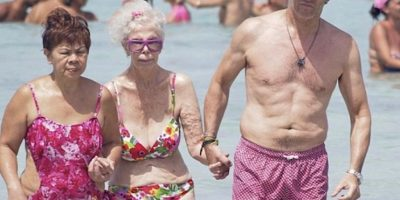 A sus 86 años, la duquesa de Alba se pasea en bikini por Ibiza