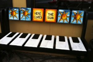 Mean Mr. Mustard's, Hendersonville, Carolina del Norte, obtiene su nombre de la canción del álbum Abbey Road Foto:meanmrmustards.com. Imagen Por: