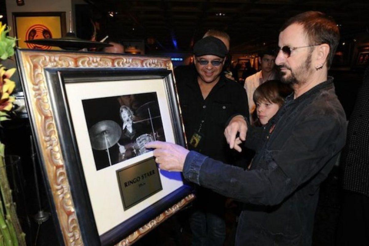 Por supuesto el Hard Rock Café rinde tributo al grupo con memorabilia en casi todos sus restaurantes Foto:Facebook Hard Rock. Imagen Por: