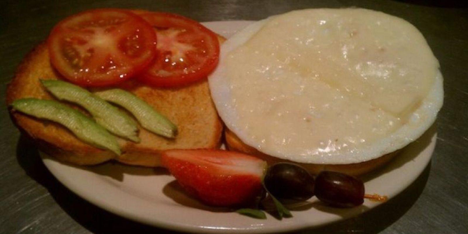 El menú completo del The Glass Onion Café, Tucson, Arizona, está dedicado a los Beatles: desde su ensalada Lettuce Be hasta el sandwich No Yoko! Foto:Facebook Glass Onion Cafe