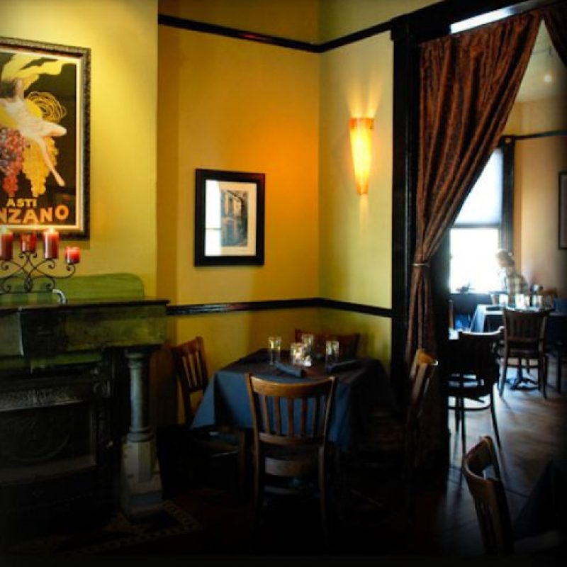 Café di Scala, Des Moines, Iowa, dedica el primer domingo de cada mes a John, Paul, George y Ringo Foto:cafediscala.com