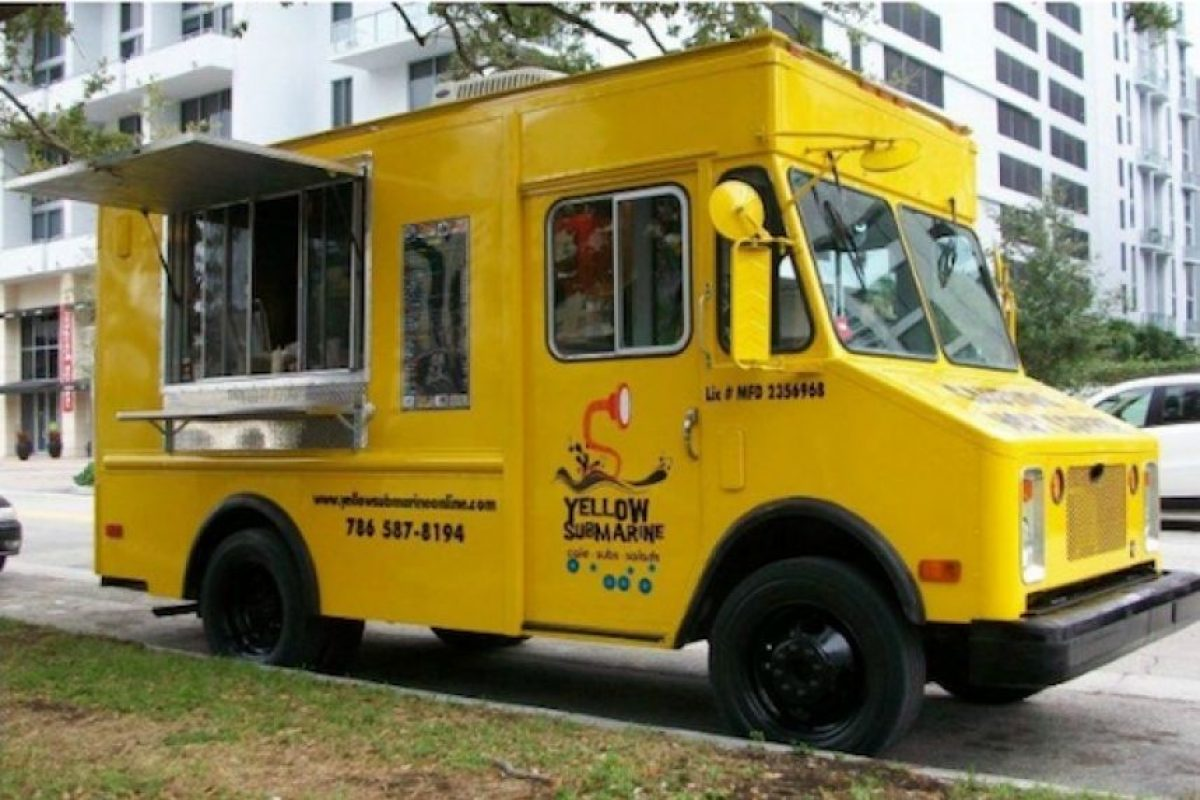 The Yellow Submarine circula en Miami vendiendo hamburguesas, hoy dogs y sandwiches Foto:thedailymeal.com. Imagen Por: