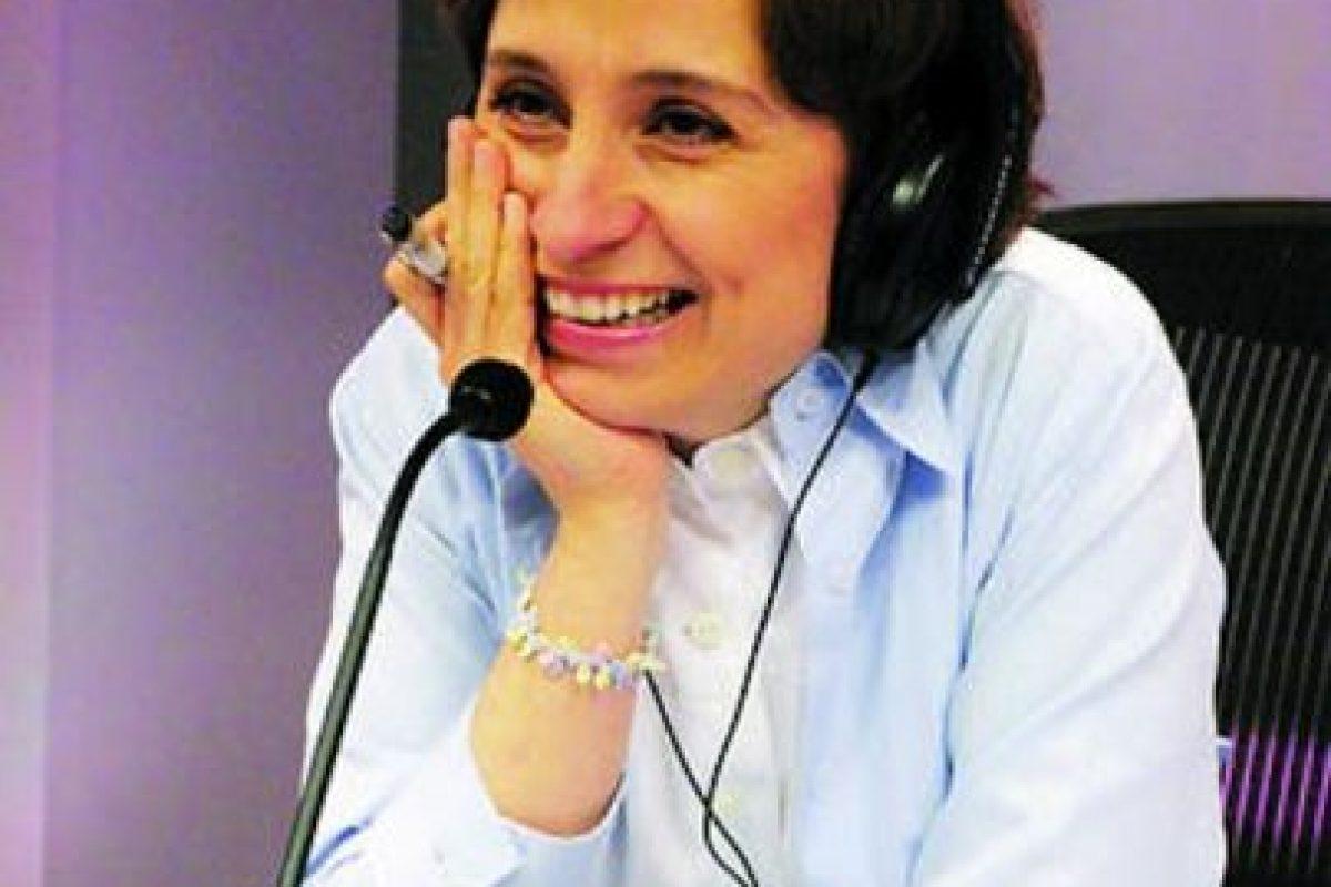 Líder de opinión – La periodista Carmen Aristegui Flores ha destacado por mantener una línea de trabajo que la ha llevado a situaciones difíciles. Después de un 2011 bastante complejo para Aristegui, en este 2012, sigue siendo líder en las comunicaciones por su objetividad al entrevistar a personajes polémicos y al enfrentar a diferentes sectores Foto:Cuartoscuro. Imagen Por: