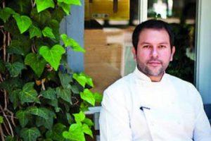 Gastronomía – El chef Enrique Olvera es propietario del restaurante Pujol, el cual está en el listado de los 100 mejores del mundo. Se ha destacado por impulsar la comida mexicana y por su enorme creatividad para jugar con los sabores, ingredientes y olores infinitos de la cocina nacional Foto:Fiamma Piacentini. Imagen Por: