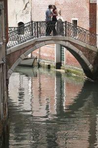 Venecia es una de las ciudades más famosas de Italia. Construida sobre el agua, es a menuda considerada como uno de los destinos más románticos del mundo Foto:Clipart