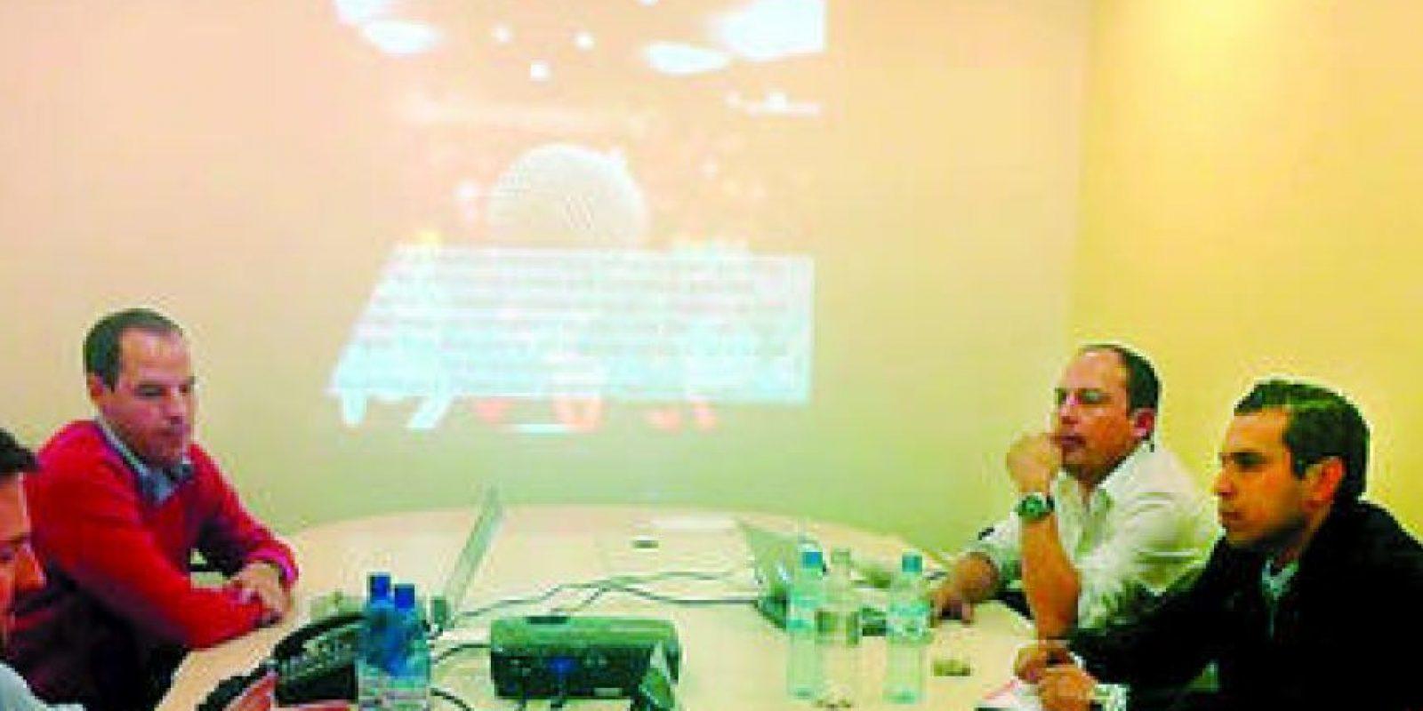 Los empresarios, con ejecutivos de Argentina Foto:Cortesía