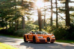 6. Bugatti Veyron Supersport. Fabricado en Francia y capaz de alcanzar mil 200 caballos de fuerza, acelera de 0 a 100 km/h en 2.6 segundos. Este súper deportivo añade lujo, deportividad, diseño y tecnología, con un precio de 2.6 millones de dólares. Foto:Especial