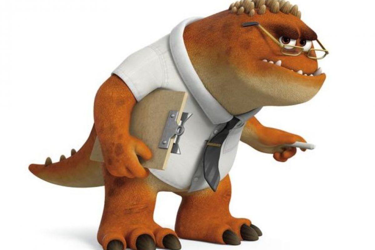 El 'Profesor Knight' enseña Sustos I, el curso introductorio del Programa de Sustos de Monsters University. Con cientos de nuevos estudiantes cada año, el 'Profesor Knight' debe separar a los débiles de los talentosos e identificar a quienes muestran el mayor potencial para ser verdaderos asustadores. Foto:Pixar Animation Studios. Imagen Por:
