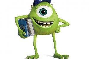 El gran sueño de 'Mike Wazowski' es convertirse en un asustador profesional en Monsters, Inc., y está seguro de saber exactamente cómo lograrlo. Ahora, como estudiante de primer año de Monsters University, está bien instruido en la rica historia, teoría y técnica requerida para alcanzar su objetivo. Es un pequeño monstruo verde de un solo ojo que tiene más confianza, entusiasmo, determinación y pasión que todos sus compañeros juntos. Foto:Pixar Animation Studios. Imagen Por: