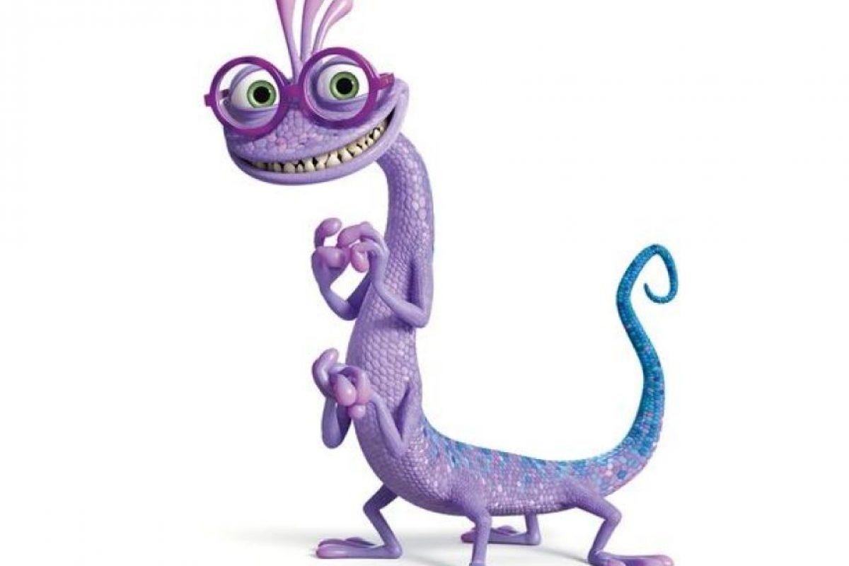 Novato en Monsters University, 'Randy Boggs' tiene grandes aspiraciones para su vida universitaria. El peculiar monstruo símil-lagarto, planea graduarse en Sustos y llevar una vida social activa, llena de diversión, amigos y fiestas de fraternidades… si tan sólo pudiera controlar su vergonzoso hábito de desaparecer. Foto:Pixar Animation Studios. Imagen Por: