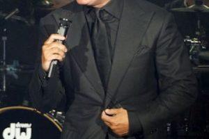"""El sol de México, Luis Miguel, se """"olvidó"""" de sus obligaciones inmobiliarias en Miami, donde tuvo una importante deuda por dejar de pagar los impuestos de un lujoso apartamento que tiene en aquella ciudad. El cantante, debía al condado de Miami 132 mil dólares en impuestos de su propiedad en el edificio Jade, de la exclusiva zona de Brickell. Según fuentes de la alcaldía, """"Luismi"""" estuvo en mora por más de tres años. Foto:Getty Images. Imagen Por:"""