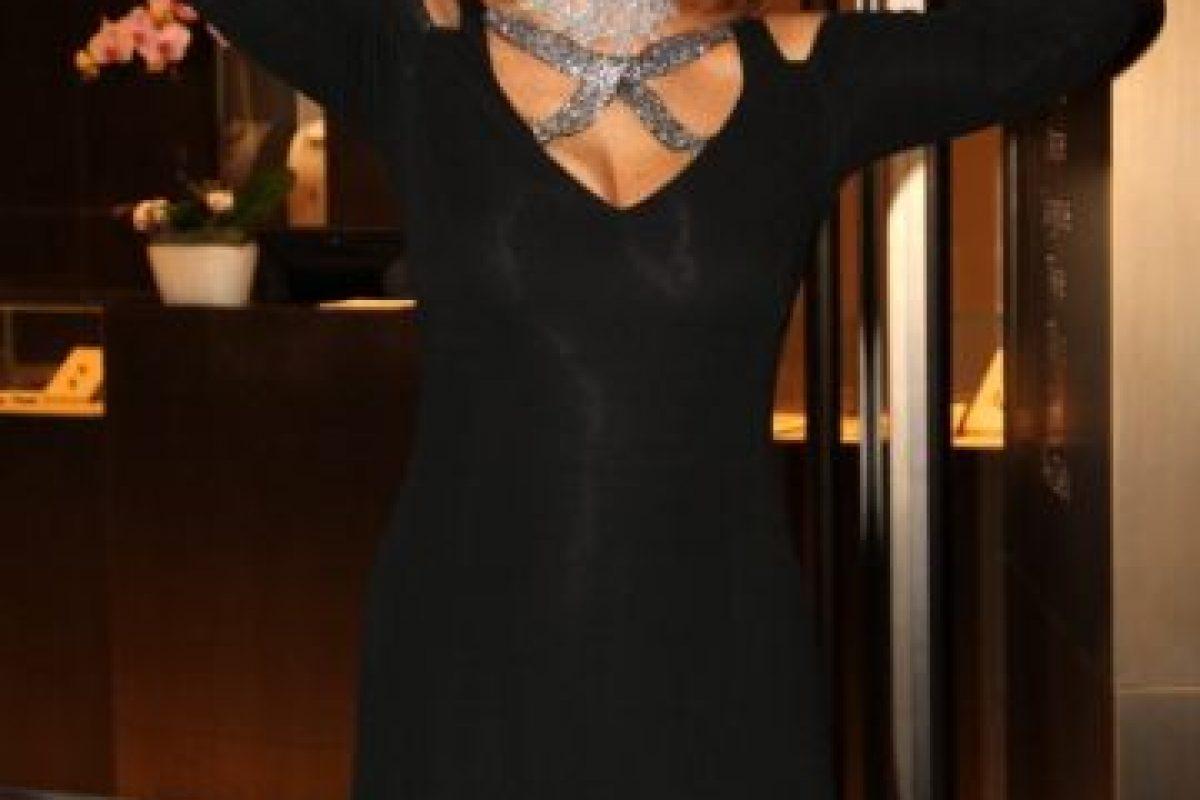En 1982, Sofia Loren, fue condenada a 30 días en prisión en Italia, por no pagar sus impuestos de manera correcta en la década del 70. La actriz pidió clemencia al presidente de turno, ni aún así se salvó de cumplir parte de la sentencia. Foto:Getty Images. Imagen Por: